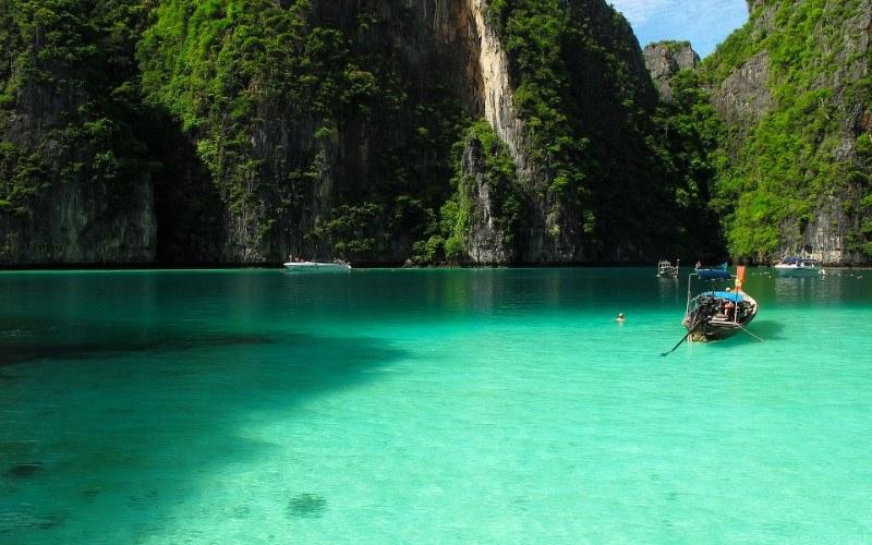 อ่าวปีเละ เกาะพีพีเล